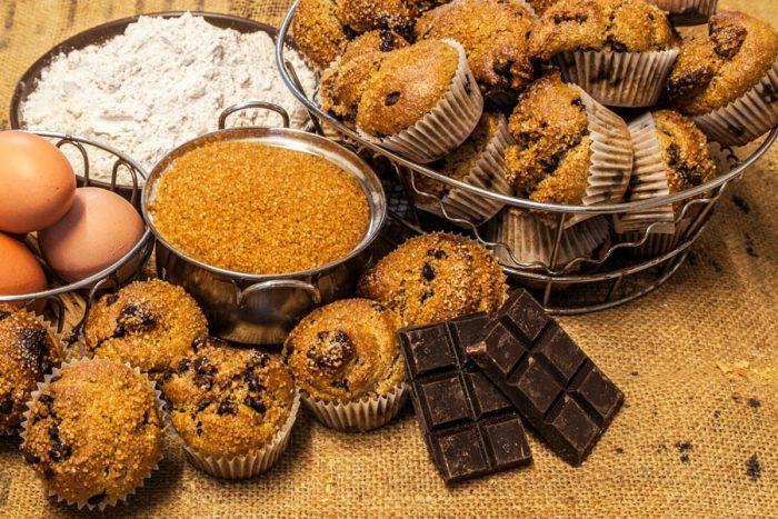 Magdalenes de sègol amb xocolata