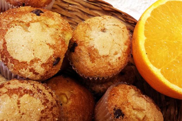 Magdalenes de taronja amb xocolata