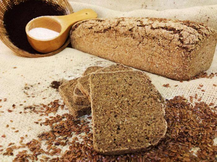 Organic rye sliced bread