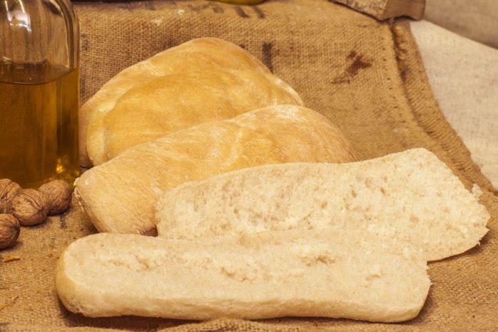 Pa de xapata de farina de blat d'alta qualitat.