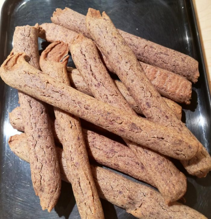 tapenade-bread-sticks